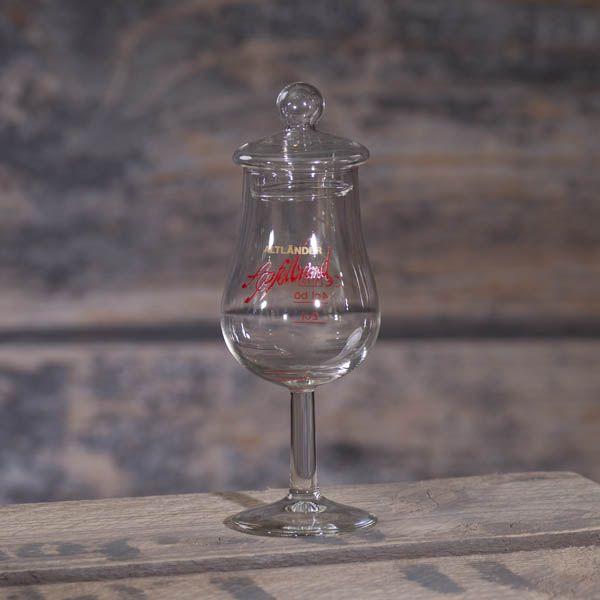 Glas Apfelbrand mit Deckel